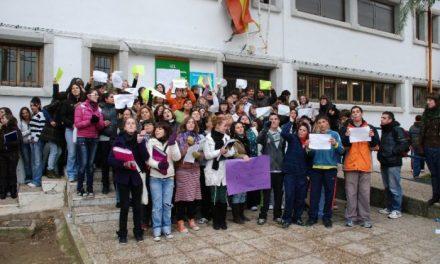 Los alumnos del IES Francisco de Orellana protestan por los problemas con la calefacción