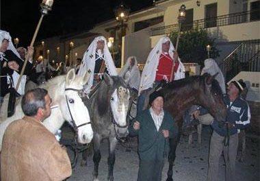 Unos 300 jinetes celebrarán este domingo La Encamisá en Torrejoncillo, declarada de Interés Turístico Nacional