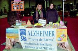 Los beneficios del rastrillo que organiza Almendralejo Solidario son para la asociación de alzhéimer