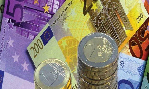 La economía extremeña se resiente por la crisis, pero crece por encima de la del resto de España y Europa