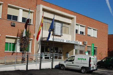 Un menor de Navalmoral de la Mata es detenido por robar material por valor de 3.000 euros en un instituto