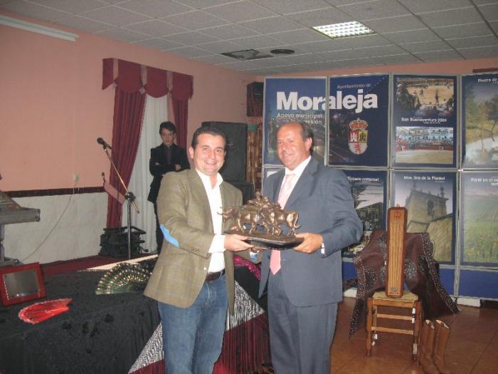 Moraleja entrega los premios de San Buenaventura 2008 en una gala taurina con más de 100 invitados