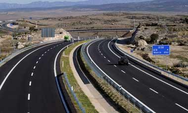 La Guardia Civil detiene a un conductor que iba a 228 km/h por el tramo de autovía Trujillo-Cáceres