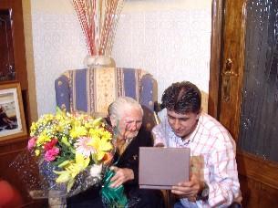 El Ayuntamiento de Miajadas homenajea a sus dos vecinos que cumplen 100 años de edad en el 2007