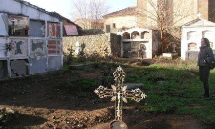El Ayuntamiento de Pozuelo de Zarzón clausura el cementerio antiguo y traslada los restos al nuevo