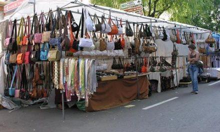 El mercadillo de Badajoz retrasa el pago de las tasas por el incumplimiento de los acuerdos con el consistorio
