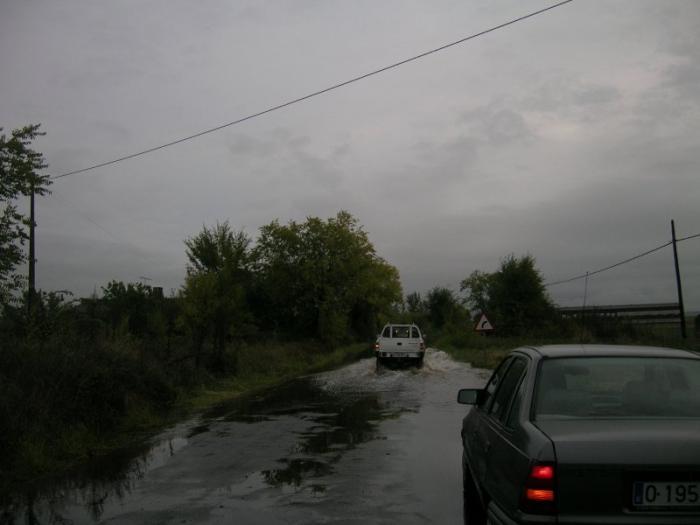 Los vecinos de La Moheda de Gata protestan por la peligrosidad de la carretera del pantano de Borbollón