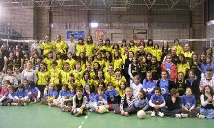 El Club Voleibol Medina Cauria-Óptico Solano inicia la temporada 2008/09 con 11 equipos y 150 jugadoras