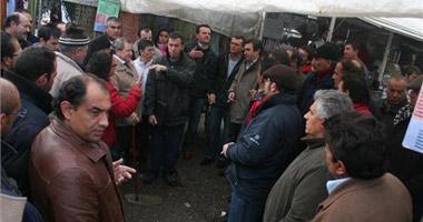 El consistorio de Badajoz admite que incumplió con los vendedores del mercadillo y les insta a recurrir
