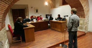 El conductor que circulaba a 228 km/h por la autovía de Trujillo ha sido condenado a 36 días de trabajos