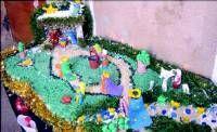 Los alumnos de la Universidad Popular de Almendralejo elaboran un portal de belén con plastilina