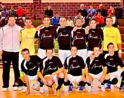 El equipo de fútbol Café de Manuela termina la primera vuelta de la liga de Primera División B en Navalmoral
