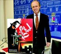 El ilustrador madrileño, José Luis Gómez, diseña el cartel de las fiestas del Carnaval del 2009 en Badajoz