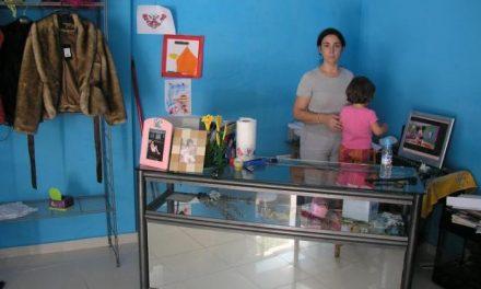 Educación resuelve conceder una plaza en el colegio público Zurbarán a la niña de 2 años de Coria