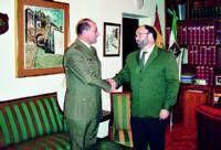 El subdelegado del Gobierno en Cáceres recibe al nuevo subdelegado de Defensa, Jesús Estacio
