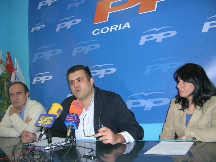 El PP de Coria pide información al alcalde sobre el proceso judicial del caso de los ediles Simón y Mahíllo