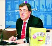 La oficina de consumo de Badajoz edita unos  2.000 ejemplares de la Agenda del Consumidor
