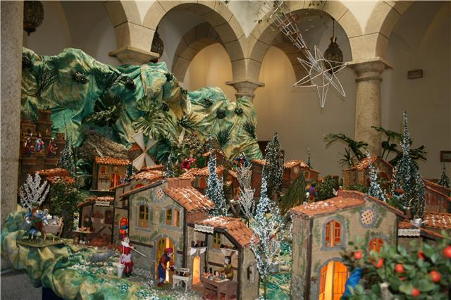El Ayuntamiento de Hervás acoge durante estas navidades el belén ecológico de Antonio Díaz