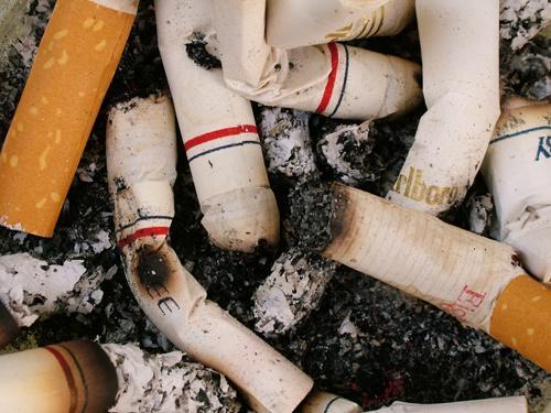 La demanda de cigarrillos crece un 10% en la región extremeña después de tres años de la ley antitabaco