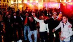 Un millar de pacenses reciben por todo lo alto el nuevo año 2009 en la plaza de España
