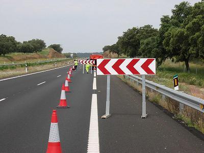 Montehermoso contará con la primera fábrica extremeña de señales de tráfico, carteles y rótulos luminosos