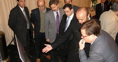 Fernández Vara ve en el sector energético el relevo a la construcción para crear empleo