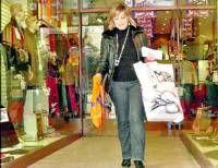 La morala, Flori Calderón, premiada con 3.000 euros por los comerciantes los gastó ayer en un día