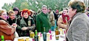 Dos mil cacereños hacen honor a la tradición en la romería de los Mártires a pesar del frío y la lluvia