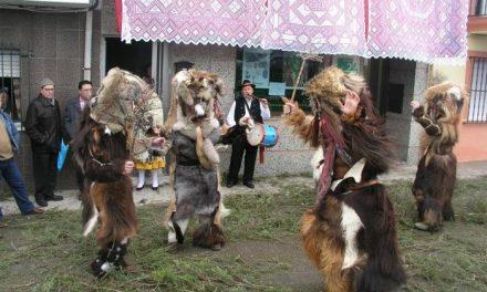 Alrededor de 35 Carantoñas y unos 12 tiraores festejan a san Sebastián en Acehúche con actos que acaban hoy