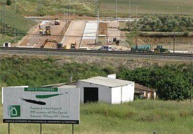 La Junta garantiza la construcción de las 700 viviendas previstas en el PIR de El Junquillo de Cáceres