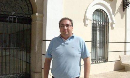 El PSOE presenta una moción para pedir la cubierta de las pistas del colegio público Campo Arañuelo