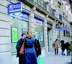 Dieciséis bancos y cajas ofrecen ya a los desempleados en la región aplazar parte de la hipoteca