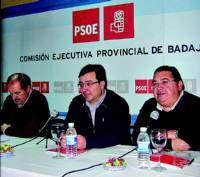 Fernández Vara apuesta en Almendralejo por crear nuevos espacios de participación con los jóvenes
