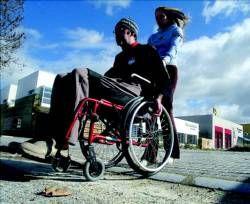 Apamex echa en falta 2.700 vados peatonales accesibles en distintas calles y plazas de la ciudad de Badajoz