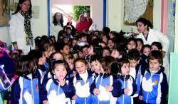 Los escolares de todos los centros de Almendralejo celebran el día de la paz y la no violencia