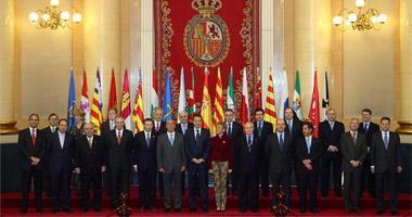 Nueve autonomías respaldan el foro de presidentes que ha propuesto el dirigente extremeño Fernández Vara