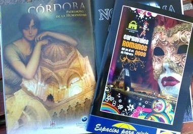 El alcalde de Mérida pide disculpas a Cáceres por publicitar a Córdoba 2016 en la revista del carnaval