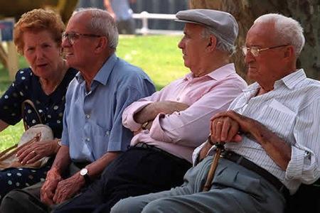 La Junta de Extremadura niega que haya habido negligencia en sus centros de mayores