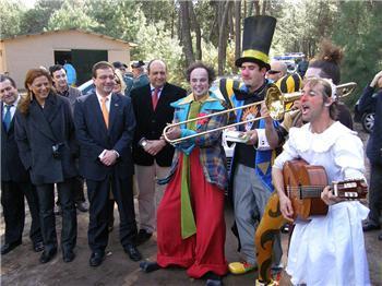 Vara inaugura en Talayuela el Hotel de la Risa y se mostró orgulloso de la iniciativa de los promotores