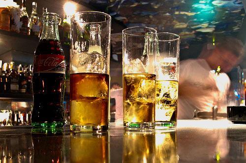 El consistorio de Cáceres hará controles sorpresa en bares y pubs para evitar el ´garrafón´