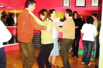 El Servicio Municipal del Voluntariado de Coria enseñará distintos estilos de bailes de Colombia