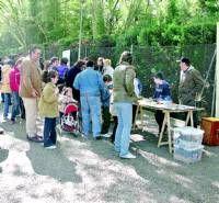 El mercadillo de trueque de Cáceres recibe una buena acogida con la participación de unas 300 personas