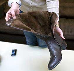 """El Instituto de Consumo reconoce que """"aún pueden llegar al mercado"""" más zapatos tóxicos"""