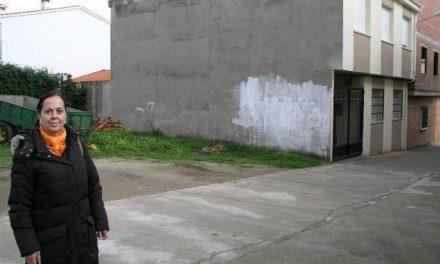 Los vecinos de Pozuelo de Zarzón tendrán un nuevo acceso al cementerio que se ejecutará antes del verano
