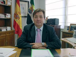 Fernández Vara es el segundo presidente autonómico mejor valorado según una encuentas del CIS
