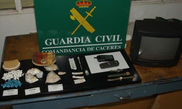 La Policía Nacional detiene a tres personas en una operación antidroga desarrollada en Plasencia