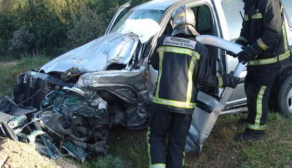 Un joven de 29 años  resulta herido tras salirse de la vía e incendiarse el vehículo en el que viajaba
