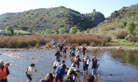 La Ruta del Contrabando de Primavera en la Dehesa congrega a 150 participantes en Zarza la Mayor