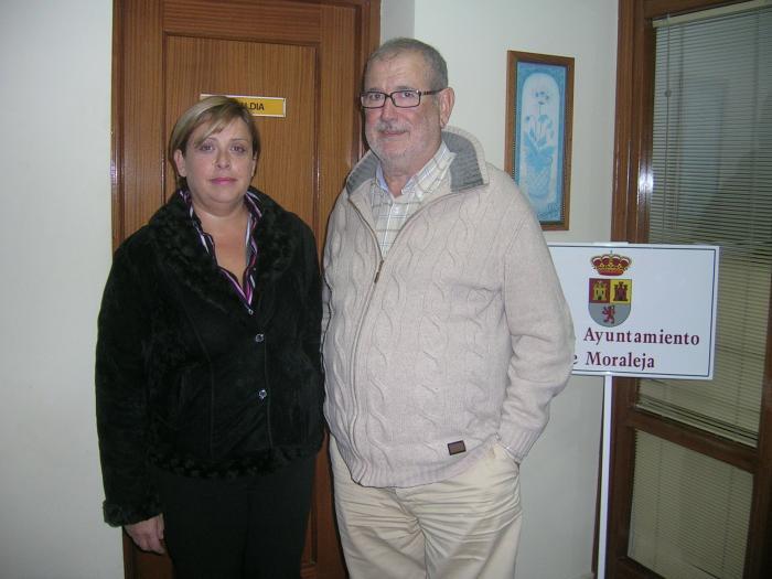 Vilella asegura que la credencial de Pérez es «falsa» y que su acta de concejal en Moraleja sigue en vigor