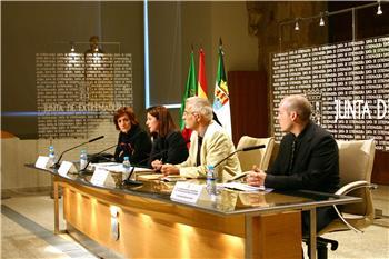 La Junta y la Universidad de Évora firman un protocolo de cooperación cultural, científica y técnica